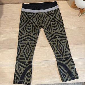 Aztec lululemon crop leggings for running